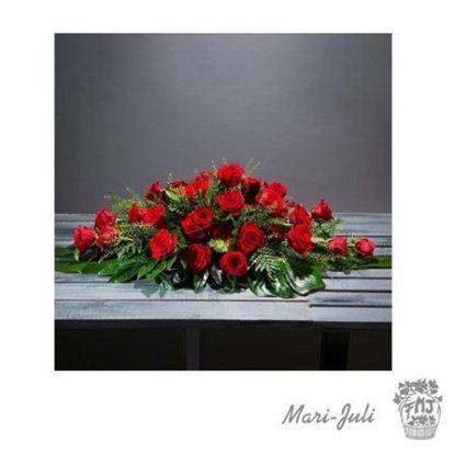 Ref.c0029.Almohadon rojo de rosas rojas y tonos verdes.