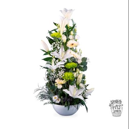 Ref.202101 Centro de flores blancas tonos verdad
